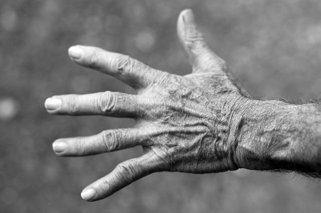 pierwsze oznaki starzenia